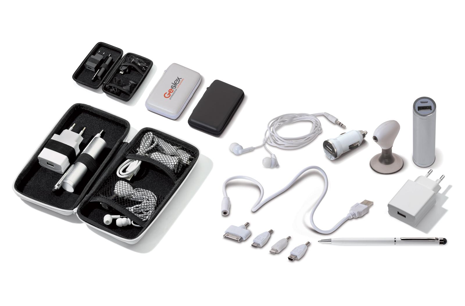 EVA reisetui met een draagbare accu 2000mAh. Laden middels bijgeleverde usb kabel en u kunt uw electronica laden middels bijgeleverde connecties: mini usb